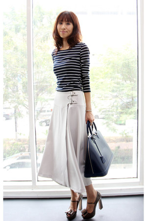 ivory wool midi asos skirt - navy Mood & Closet dress - navy Louis Vuitton bag