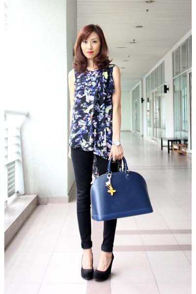 blue bcbg max azria top - black 7 for all mankind jeans - navy Louis Vuitton bag