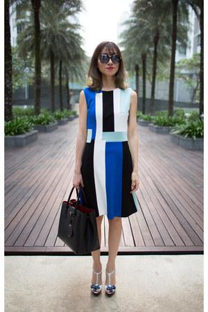 color block karen millen dress - black Prada bag - Retrocraft sunglasses