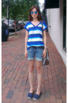 blue Gap top - navy Michael Kors shoes - navy denim casual Lucky Brand shorts
