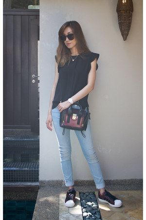 31 Phillip Lim bag - skinny 7 for all mankind jeans - Karen Walker sunglasses