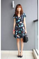 floral Club Monaco dress - christian dior bag - Salvatore Ferragamo pumps