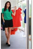 black elastine Mood & Closet shorts - turquoise blue chiffon Mood & Closet top