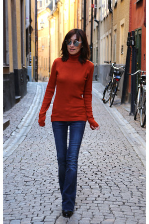 orange turtleneck top - Fendi boots - 7 for all mankind jeans