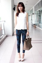 white Mood & Closet top - teal Mood & Closet leggings - camel Celine bag