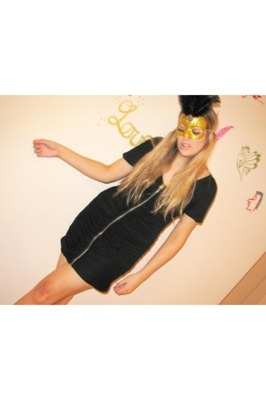 MinkPink dress - mask made by stompface accessories