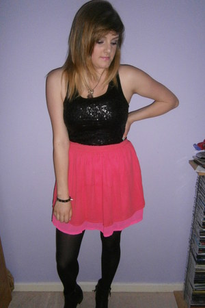 H&M skirt - black sequins new look top - new look necklace