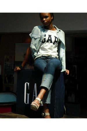blue denim Gap shirt - navy denim ga jeans - cream leather Gap belt