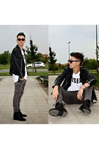 black pull&bear boots - gray jeans - black jacket - white Bershka t-shirt