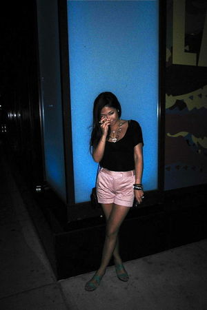 top - Zara shorts - vintage bag - Old Navy shoes
