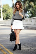 black Forever 21 sweater - black Forever 21 boots - white daily look skirt
