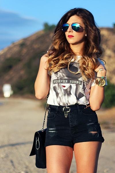 brandy melville shorts - Forever 21 t-shirt