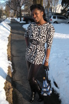 yesstylecom blouse - black Express leggings - black patricia fields gloves - pat