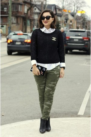 gold brooch Chanel bracelet - olive green military pants Gap pants