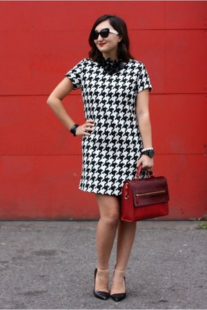 brick red Aldo bag - black pointy toe Zara shoes - black Joe Fresh dress