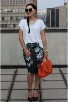 dark green floral Zara skirt - carrot orange satchel Nella Bella bag