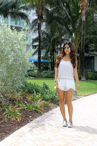 white scalloped ATIKSHOP shorts - light brown Steve Madden shoes