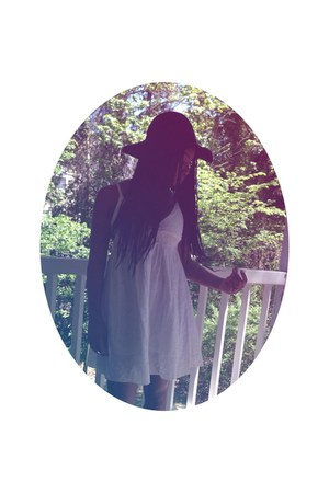 white DIY dress - Agaci hat