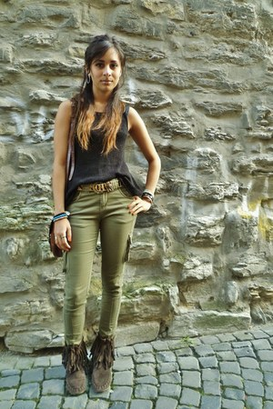 black H&M vest - dark brown Jigsaw boots - dark khaki Primark jeans