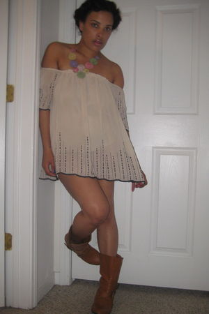 beige Forever 21 top - brown unknown brand boots - green Forever21 necklace