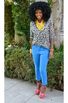 blue Zara jeans - black Zara shirt - red polka dot heels
