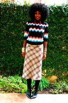 black Urban Outfitters sweater - light brown the gap skirt