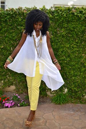 yellow Pegged jeans - white Asymmetical shirt - bronze leopard pumps