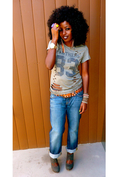 olive green Forever 21 t-shirt - blue lucky jeans