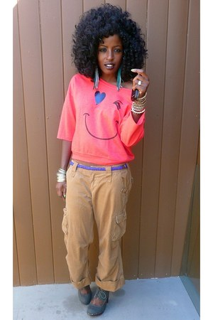 red Smiley Face sweater - brown Khaki Cargo pants