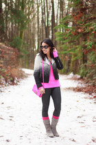 hot pink Zara sweater - heather gray suede Chinese Laundry boots