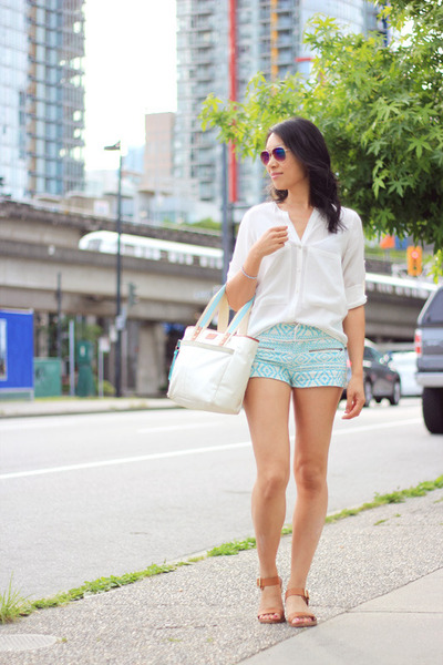 white fabric coach bag - turquoise blue tribal print Zara shorts