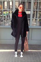 red turtleneck h&m divided top - black faux fur vintage coat