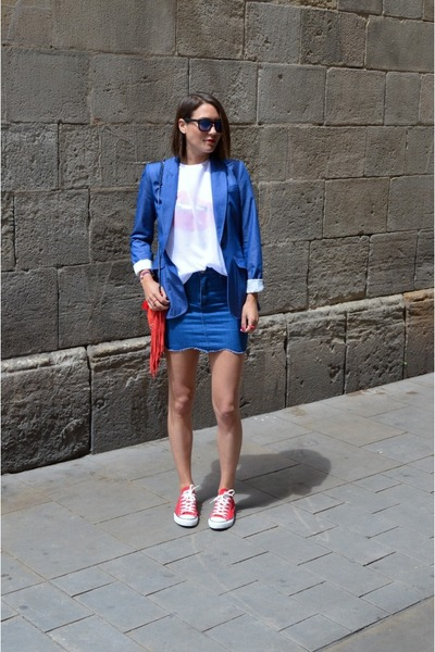 blue mini skirt choiescom skirt - red Mango bag - red canvas Converse sneakers