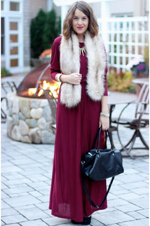 crimson maxi Tobi dress - beige faux fur H&M scarf - black H&M bag