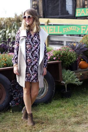 white Chloe  Isabel ring - dark brown H&M boots