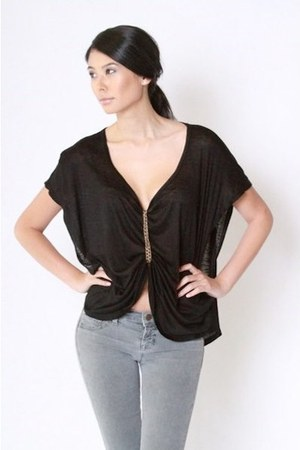 black chains The Factory top