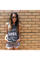 denim Reverse shorts - aviator Ray Ban sunglasses - jersey Billabong top