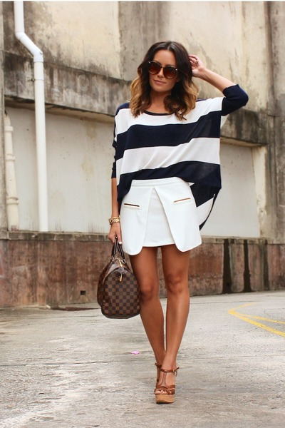 stripe beginning boutique top - round sabo skirt sunglasses
