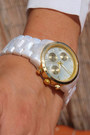 Style-by-storie-watch