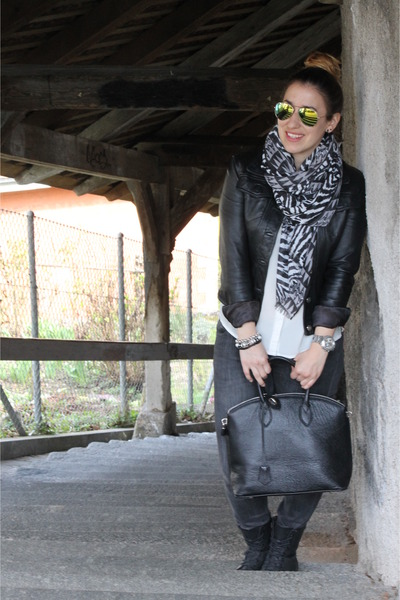 black leather Forever 21 jacket - heather gray Zara jeans - H&M scarf