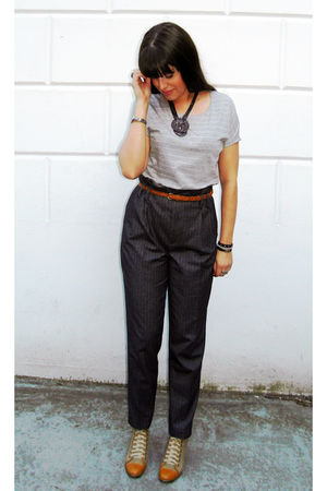 gray American Apparel t-shirt - gray Zara pants - beige H&amp;M belt - beige Modekun