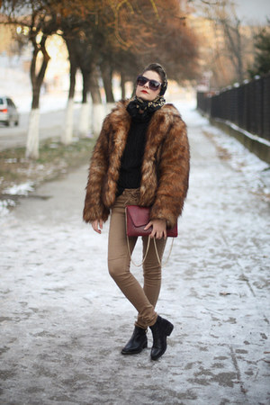 faux fur H&M coat - vagabond boots - Zara sweater - c&a bag - H&M pants