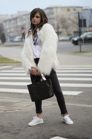 Mango sneakers - H&M jeans - faux fur Bershka jacket - H&M shirt