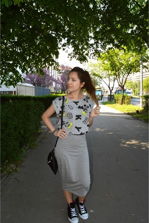 mickey crop top Terranova top - grey pencil Terranova skirt