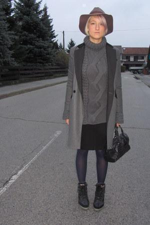 H&M hat - DKNY coat - H&M sweater - Zara skirt - REPLAY sneakers