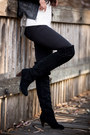 Black-suede-dolce-vita-boots-white-wool-loft-sweater