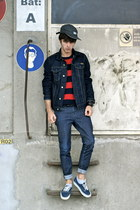 navy denim Carhartt jacket - navy Vans shoes - navy jean Lee jeans