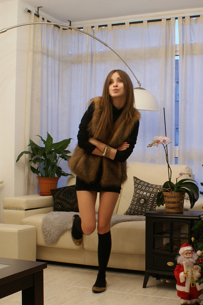 gold Zara boots - black Calzedonia socks - black Mango dress - brown Sfera vest