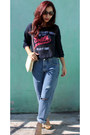 Blue-boyfriend-jeans-levis-jeans-ivory-chain-c-a-bag