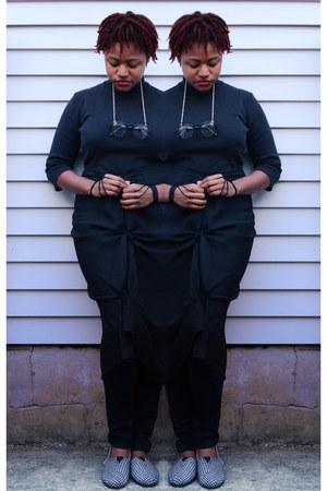 black mock neck top - black stretch denim pants - houndstooth TOMS flats